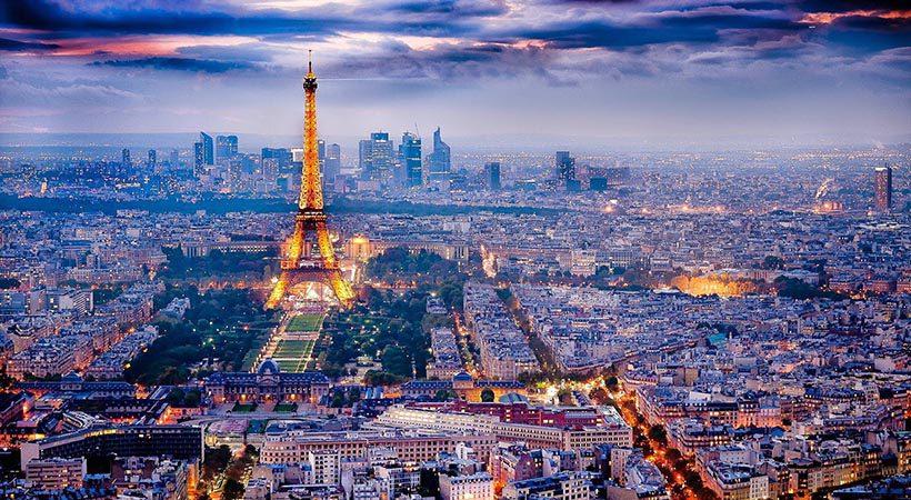 """Pariz: 12 fotografij, ki dokazujejo, da si zasluži naziv """"mesto luči"""""""