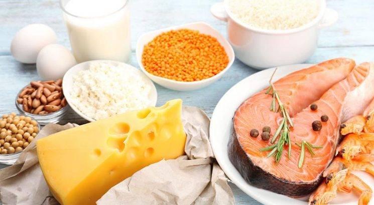 Bi rada hitreje shujšala? Pred obroki zaužij TA vitamin!