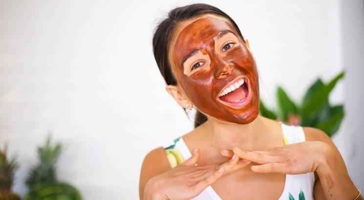 Vikend projekt: Naredi sproščujočo (in užitno) masko za obraz