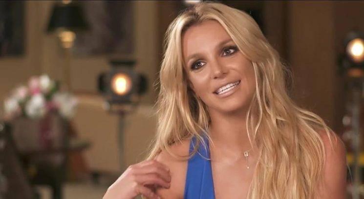 Britney Spears bolj vroča kot kdajkoli prej v novem vadbenem videu!