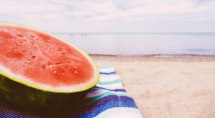 Kako ti lahko lubenica pomaga zdraviti sončne opekline