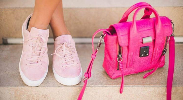 Zakaj nikoli ne bi smela nositi istih čevljev dva dni zapored
