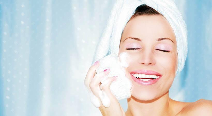Dvojno čiščenje: Skrivnost za lepšo kožo