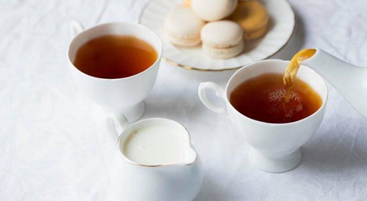 To je pravi razlog, zakaj dodajamo mleko v čaj
