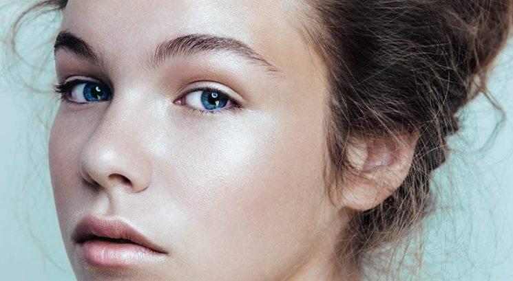Hitri makeup popravki: Si nanesla preveč osvetljevalca?