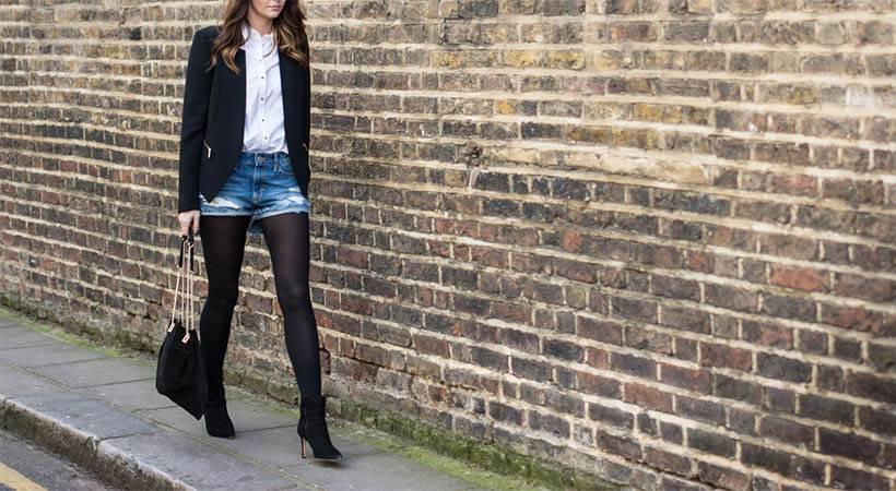 Modni nasvet: Kako nositi kratke hlače in najlonke na damski način