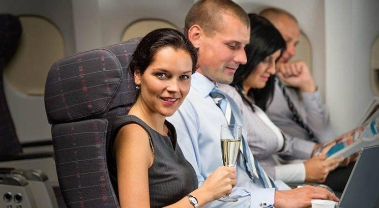 Kaj pove o tebi, če hočeš na letalu vedno sedeti ob oknu ali ob prehodu