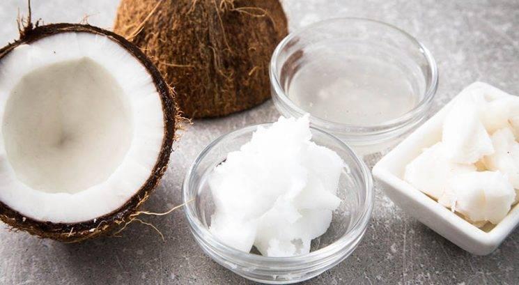 Zakaj kokosovo olje morda sploh ni primerno za tvoje lase