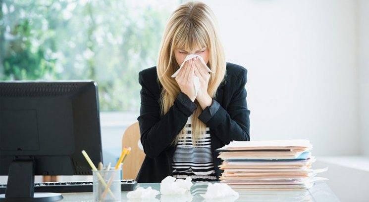 Higiena v pisarnah: 4 napake, zaradi katerih hitreje zboliš