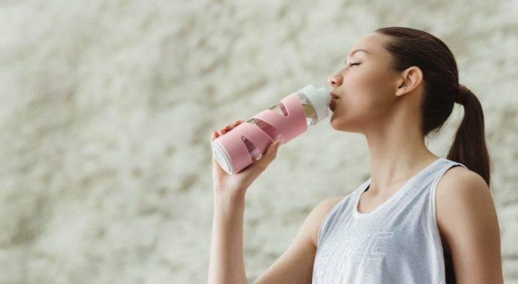 Kako čez dan (z lahkoto) popiti več vode
