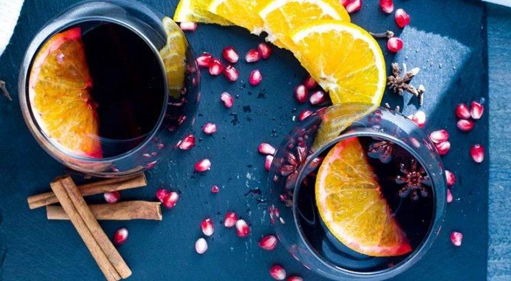 Zimski okusi: Kuhano vino z granatnim jabolkom