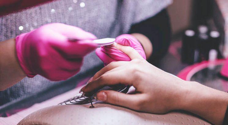 Lepotni nasveti: Kako okrepiti nohte po gel manikuri