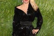Pamela Anderson šokirala s svojo neprepoznavno podobo!