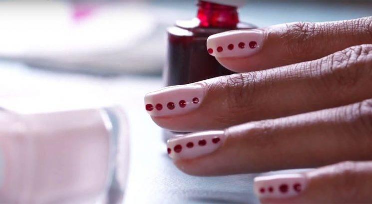 Manikura: 7 najbolj enostavnih 'nail art' idej
