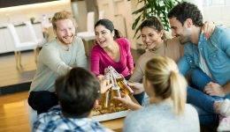 10 najbolj nadležnih navad gostov na domači praznični zabavi
