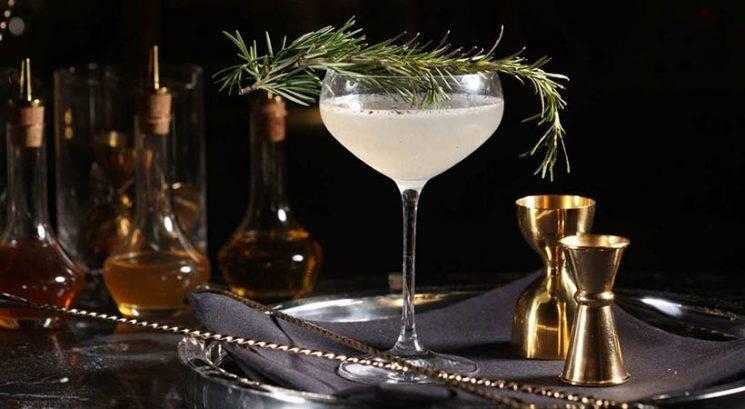 Novoletni recept: Koktejl s penino in rožmarinom