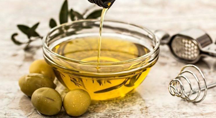 9 zdravilnih koristi oliv in olivnega olja, ki jih moraš poznati