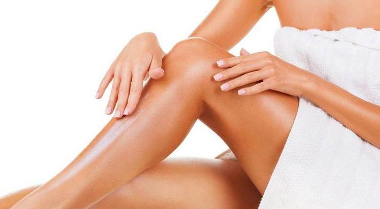 Dermatologi svetujejo: 4 najboljša olja proti povešeni koži