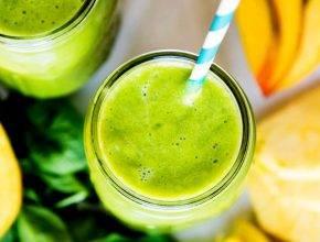 Recept: Vitaminski smoothie za odpravo celulita