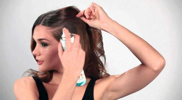 30-sekundni trik za boljši učinek suhega šampona