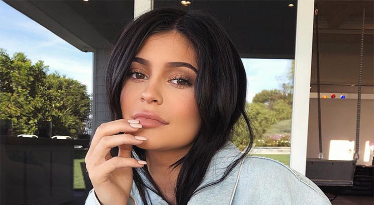 VIDEO: Kylie Jenner postala mamica! In objavila zelo čustven video…