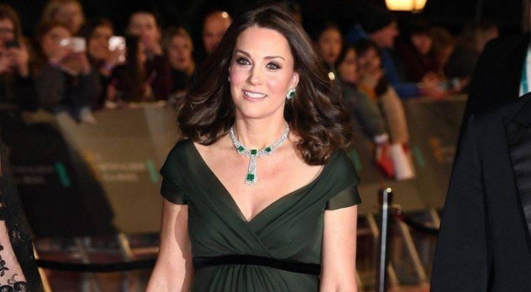 Kate Middleton si je omislila tattoo na zelo očitnem mestu!