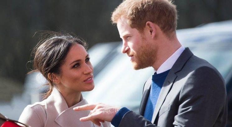 """Vabila za kraljevo poroko so bila natisnjena z """"napako""""!"""