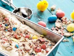 Velikonočni sladoled s čokoladnimi jajčki