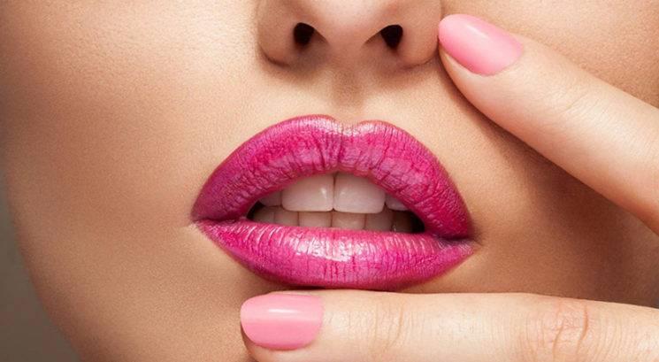 Kako do večjih, bolj polnih ustnic v samo 30-ih sekundah