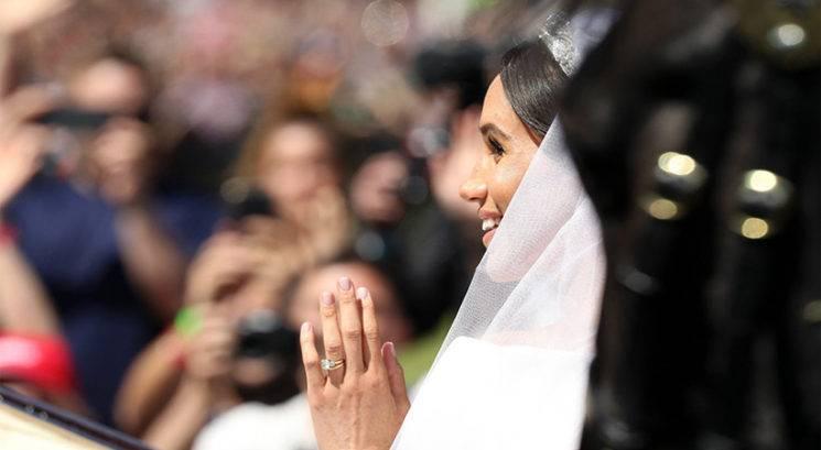 TA nežno roza lak je krasil nohte Meghan Markle na kraljevi poroki