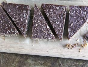 Vegansko in presno: Kokosove ploščice s čokolado
