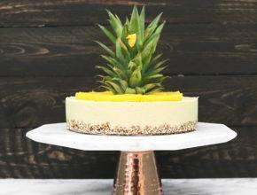 Presno sladkanje: Ananasova 'cheesecake' torta