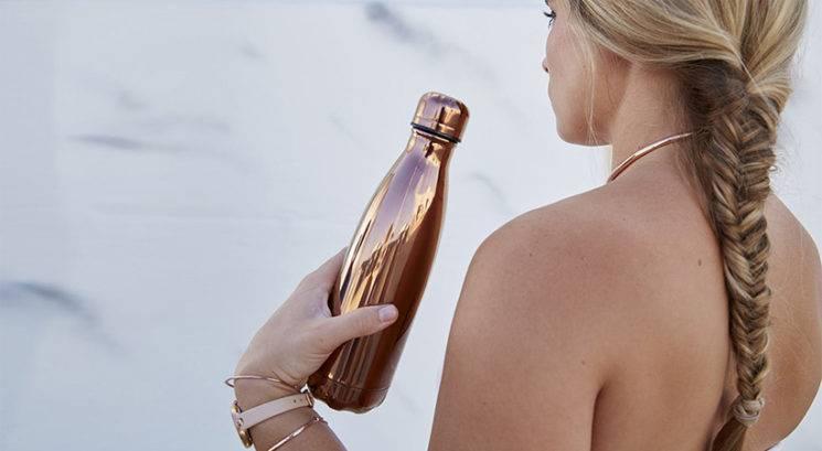 Kako pogosto bi morala oprati steklenico za vodo