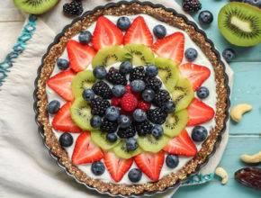 Brez peke: Pita z grškim jogurtom in svežim sadjem