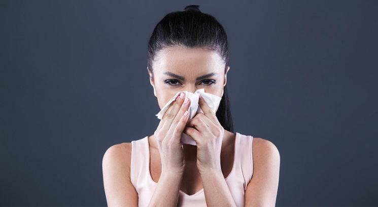 Zdravstvena dilema: Je v času prehlada prepovedano telovaditi?