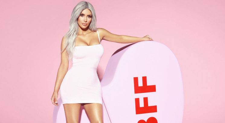 NORO! Poglej, kako zelo se je v 11-ih letih spremenil glas Kim Kardashian