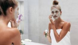 Lepotna dilema: Ali lahko pretiravaš z maskami za obraz?