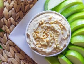 Zdravo in slastno: Puhasta pomaka iz arašidovega masla