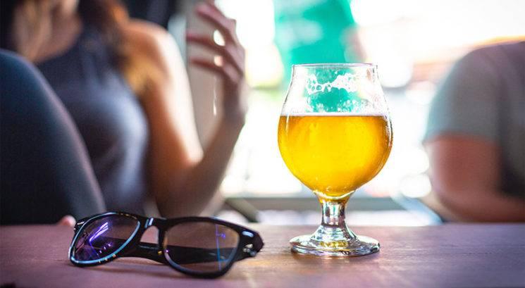 Kako ti lahko pivo pomaga do lepše kože