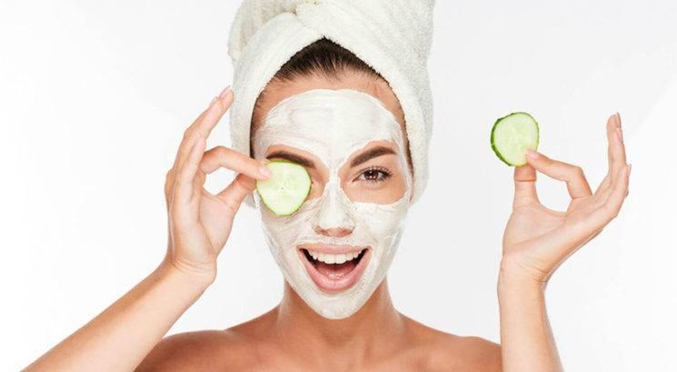 Bi morala po lepotni maski očistiti obraz?