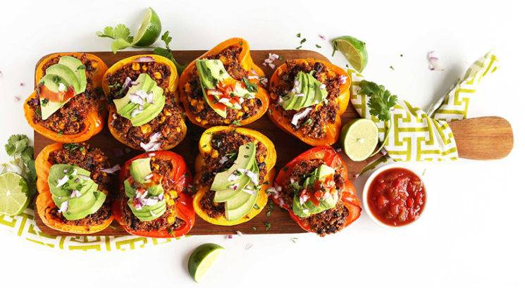 Zelenjavni recept: Polnjene paprike s kvinojo