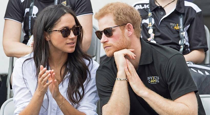 Končno razkrito, zakaj princ Harry vedno nosi eno in isto zapestnico