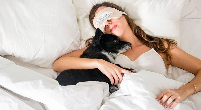 Skrivnostni vojaški trik, ki ti pomaga zaspati v dveh minutah