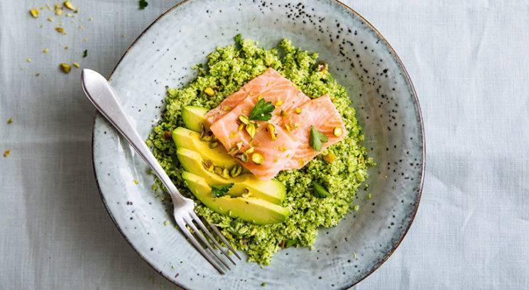 Nizkohidratni recept: Kus kus iz brokolija z lososom