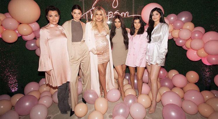Nikoli ne uganeš, katero sestro je Khloé Kardashian izbrala za botro hčerki True