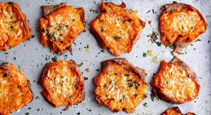 Recept: Sladek krompir s parmezanom
