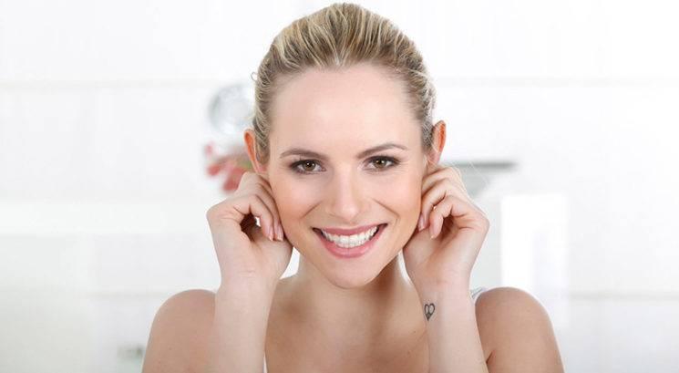 Zakaj bi si morala vsak dan masirati ušesa