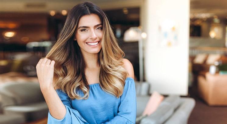 6 stvari, ki jih frizer nikoli ne bi naredil svojim lasem