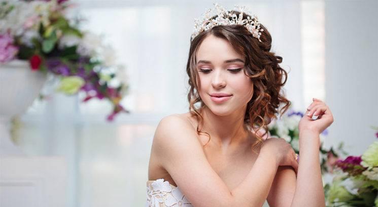 9 najbolj opaznih lepotnih poročnih trendov za leto 2019