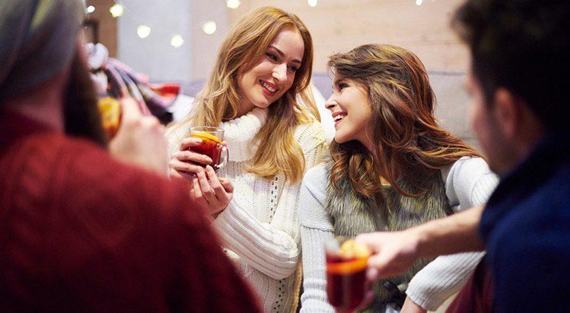 Zakaj v zimskem času bolj hrepenimo po uživanju alkohola